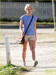 Julianne Hough Hairstyle In Safe Haven | : 'Safe Haven' Set with Julianne Hough! | josh duhamel julianne hough ...