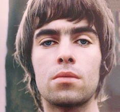 Liam Gallagher is so uniquely beautiful Noel Gallagher, Lennon Gallagher, Liam Gallagher Oasis, The Verve, Banda Oasis, Gq, Liam And Noel, Oasis Band, El Rock And Roll