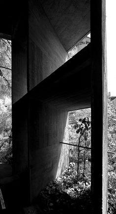 Facade detail of Le Corbusier's Palais des Filateurs, Ahmedabad 1951. Via.