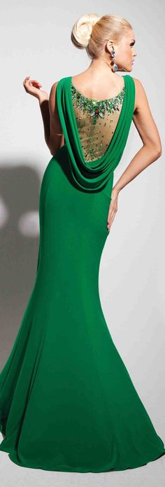Christmas collection Collection of Evening Dresses by Tony Bowls Beauty And Fashion, Green Fashion, Nail Fashion, Beautiful Gowns, Beautiful Outfits, Evening Dresses, Prom Dresses, Dress Prom, Wedding Dress