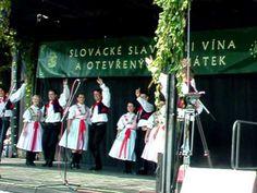 ▶ Slavnosti Vína - Uherské Hradiště 2009 - folklórne vystúpenie - YouTube