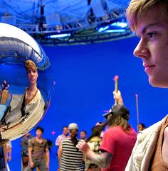 Thomas Brodie-Sangster (Newt) on the set of The Scorch Trials!