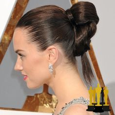 Oscars The Best Red Carpet Updos - Daisy Ridley - click through to see more hair inspiration! Hair Knot, Hair A, Love Hair, Her Hair, Oscar Hairstyles, Celebrity Hairstyles, Braided Hairstyles, Sleek Hairstyles, Sleek Updo