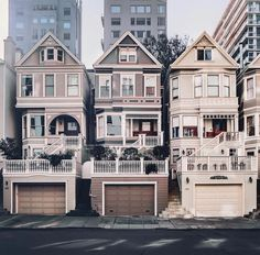 47 New Ideas Apartment Architecture Exterior San Francisco Exterior Design, Interior And Exterior, Casa Retro, Sims House, House Goals, Humble Abode, Victorian Homes, My Dream Home, Future House