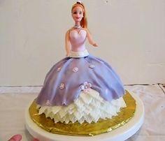 Tort na urodziny - lalka