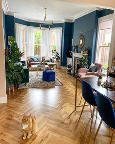 1930s Living Room, Victorian Living Room, Narrow Living Room, Living Room Windows, Living Room With Fireplace, Home Living Room, Edwardian House, Bookshelves Around Fireplace, Open Plan Kitchen Dining Living