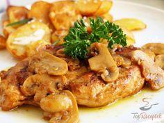 Remek fogás, ízletes, fűszeres, puha, minden megvan benne, ami egy remek ebédhez vagy vacsorához kell. A hirtelen lepirított csirkemell a finom gombával együtt párolódik, és a fehérbornak köszönhetően egy kis pikantériát is kap. Kiválóan illik hozzá a burgonyapüré vagy a sült burgonya. Én legutóbb a vajas, gombás, fehérboros csirkemellhez rozmaringgal és fokhagymával fűszerezett sült burgonyát készítettem, és finom káposztasalátával tálaltam.