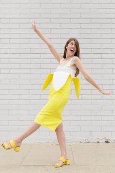 How To Make A Banana Costume | studiodiy.com Food Halloween Costumes, Diy Couples Costumes, Funny Costumes, Costumes For Teens, Halloween Costumes For Girls, Diy Fruit Costume, Purim Costumes, Creepy Costumes, Easy Diy Costumes