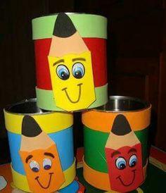 Lapicero Tin Can Crafts, Foam Crafts, Easy Crafts For Kids, Preschool Crafts, Diy For Kids, Paper Crafts, Clown Crafts, School Murals, Plastic Bottle Crafts