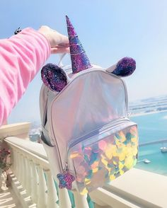 😍😍😍😍😍😍😍 it's unicorn bag Unicorn Fashion, Unicorn Outfit, Unicorn Makeup, Cute Unicorn, Unicorn Clothes, Unicorn Birthday, Unicorn Party, Cute Mini Backpacks, Mini Mochila