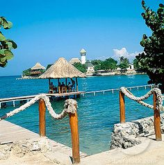 Islas del Rosario, Colombia: a ferry-ride away from Cartagena Beautiful Places To Visit, Wonderful Places, Great Places, Places To See, Travel Around The World, Around The Worlds, Colombia South America, Colombia Travel, Exotic Places