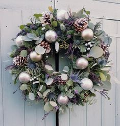 50 DIY Christmas Wreath Ideas On A Budget These trendy HomeDecor ideas would gain you amazing compliments. Check out our gallery for more ideas these are trendy this year. Rose Gold Christmas Decorations, Christmas Door Wreaths, Christmas Flowers, Noel Christmas, Christmas Baubles, Holiday Wreaths, Xmas Decorations, Christmas Crafts, Grey Christmas Tree
