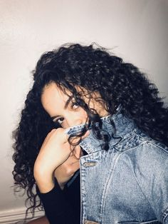 Pin by carlene nadia on curly curls Big Natural Hair, Long Curly Hair, Curly Girl, Curly Hair Styles, Natural Hair Styles, Cabello Afro Natural, Selfie Poses, Selfies, Hair Heaven