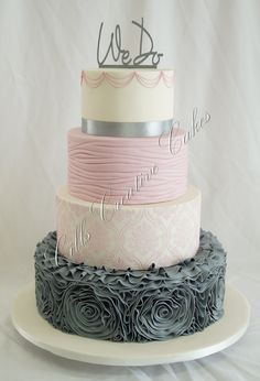 CilisCakes on CakeCentral Gorgeous! Love the color combo and the bottom tier is perfection <3