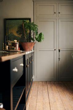 Kitchen Interior, Interior And Exterior, Kitchen Design, Devol Kitchens, Home Kitchens, Shaker Kitchen, Kitchen Dinning, Home Comforts, Cottage Interiors