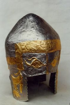 Peretu Helmet c. Unearthed in 1971 in a Thraco-Getic Tomb in Southern Romania. The helmet belonged to a member of local aristocracy buried with variuos weapons, vessels and pottery -Muzeul National de Istorie a Romaniei, Bucuresti Helmet Armor, Knights Helmet, Arm Armor, Sword Hilt, Ancient Armor, Knights Templar, Hunting Dogs, Ancient Artifacts, Ancient Civilizations