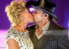 Faith Hill and Tim McGraw perform on stage during the 2008 CMT Music Awards at the Curb Events Center at Belmont University on April 14, 2008 in Nashville, Tennessee.