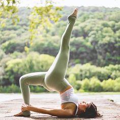 Backbend #inspiration What's your favorite backbend? Comment below! of @hollybentley_yoga, @bentleycreativeagency & @aloyoga via @yogagoals Thanks - IG/Yogainspiration