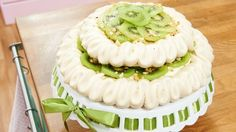 "Pavlova – My Hiens ""Zuckerfee"" Kiwi, Beautiful Cakes, Cake Pops, Sweets, Baking, Desserts, Recipes, Sally, Food"