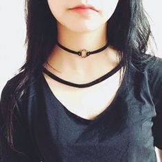 Buy Pompabee Twisted Metallic Circle Choker at YesStyle.com! Quality products at remarkable prices. FREE WORLDWIDE SHIPPING on orders over AU$50.