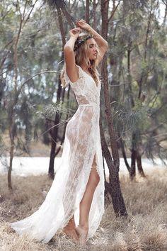 Karen Willis Holmes lace wedding dress
