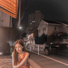 Girl Photo Poses, Girl Photos, K Pop, South Korean Girls, Korean Girl Groups, Rose Pic, Best Friend Status, Call Me Maybe, Jennie Kim Blackpink