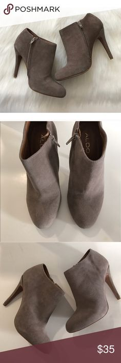 """Aldo """"Gaunt"""" booties US size 8/ EUR 38.5 Aldo """"Gaunt"""" booties. Color is a taupe/ grayish mixture. These do have some signs of wear, but have only been worn a few times. These have suede protectant on them. Ships in original box US size 8. European size 38.5.  These were owned by someone who is a size 7 and she said they are true to size (they were a bit too big on her).  **Please note- the Posh size chart is off. I have added a photo of the Aldo size chart on photo #8 🚫NO TRADES…"""