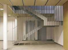 Escalera diseño hierro • Metàl·lics Cabratosa • metalistería arquitectura