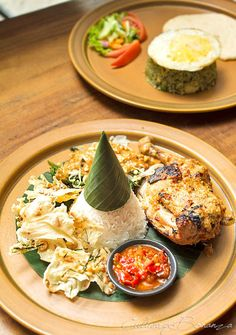 Nasi Ayam Bakar Rujak (rice with grilled chicken in peanut sauce)