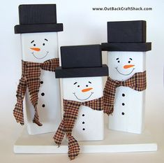 This cute wood snowman family Christmas decoration will look great on your mantle, table, shelf, etc. this holiday season. Our snowmen family