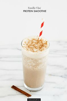 Stay healthy and fit this New Year by trying this delicious Vanilla Chai Protein Smoothie for breakfast. (Click for full recipe!) // Excited to partner with Burt's Bees on this post. #drinkitallin