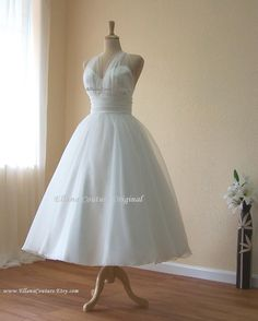 Retro Inspired Tea Length Wedding Dress. Vintage Style Organza Bridal Gown.