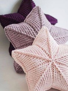 Tunisian Crochet: What It Is, How to Make, Beautiful Ideas Crochet Pillow Pattern, Crochet Motifs, Tunisian Crochet, Crochet Stitches, Crochet Cushions, Crochet Diy, Crochet Amigurumi, Crochet Home, Diy Crafts Knitting