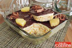 Pavê de abacaxi com cobertura de chocolate