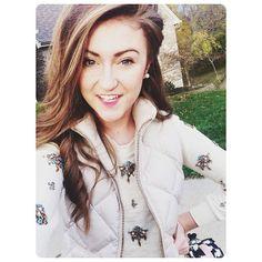 that sweater.. Kappa delta fashion blogger Sarah belle