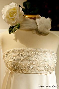 Brocados, bordados de alta calidad. Beatriz Mateos, vestidos hechos a mano, cuidando cada detalle. www.noviachic.es
