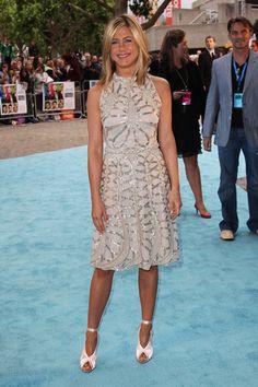 Love the dress   Jennifer Aniston