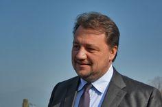 Chi è Gianni Fava, lo sfidante di Salvini alle primarie della Lega