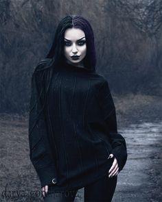 Model/ Photo/ MUA: Darya Goncharova Tunic: Killstar Welcome to Gothic and Amazing |www.gothicandamazing.com
