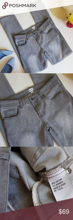 Cache | gray wash stretch jean legging | 4 In excellent condition! Cache stretch jean. Gray wash. 30 inch inseam. So soft and comfy! This is a used item: Pictures show any signs of wear. It has been inspected for great quality! Bundle up! Offers always welcome:) Cache Jeans