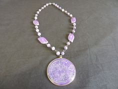 Vintage Goldtone Purple Violet Swirl Quartz Glass Bead Disk Pendant  Necklace