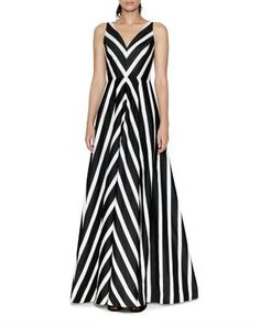 Indian Gowns, Stripes Fashion, Halston Heritage, Striped Maxi Dresses, Chic Dress, Dress Patterns, Designer Dresses, Evening Dresses, Party Dress