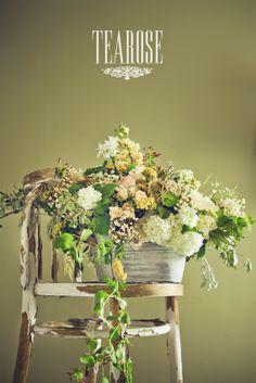 Anyák napi virágkompozíció, dekoráció   Mother's day flower composition, decoration