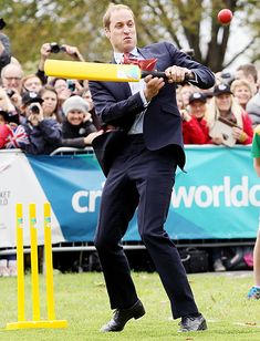 Kate Middleton Plays Cricket in Heels, Bonds With Kids in New Zealand - Us Weekly Prince William And Catherine, William Kate, Royal Clan, Diana Son, A Royal Affair, Australia Tours, Baby George, Queen Of England, Duke Of Cambridge