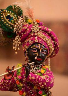 Krishna Leela, Cute Krishna, Radha Krishna Love, Krishna Radha, Ganesha Pictures, Radha Krishna Pictures, Krishna Photos, Radhe Krishna Wallpapers, Lord Krishna Wallpapers