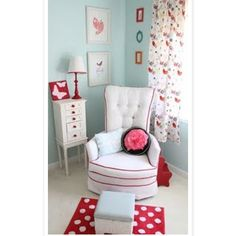 Turquoise and red - wish I had a separate nursery for little Lucy that I could decorate like this.