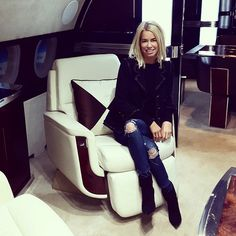 Caroline Stanbury.. travel chic..