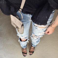 #rippedjeans #antonia #sandals  #gianvitorossi #mini #faye #chloe