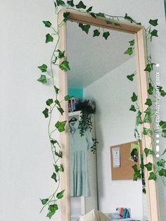 #diy #mirrordecor #mirroredfurniture #mirrorart #art #leaves #greenary #hippir #hippiehomedecor #hippiedecor #hippielife #hippiestyle #hippiechic #boho #bohostyle #bohodecor #bohochic #bohobedroom #hippiebedroomideas
