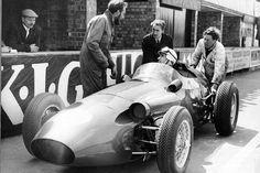 Roy Salvadori-Aston Martin F1 Aston Martin, Racing Team, F1 Racing, American Racing, Salvador Dali, Formula One, Grand Prix, Antique Cars, Automobile
